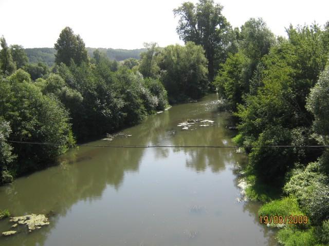 Вид с моста на Узу.