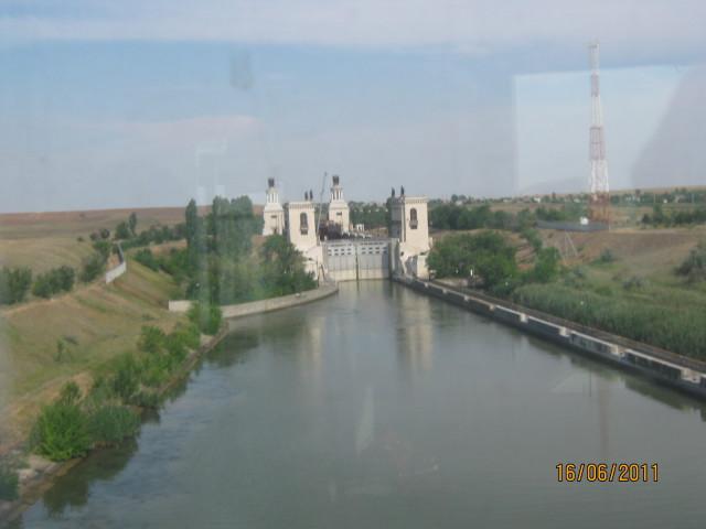 Шлюз Волго-Донского канала возле Волгограда