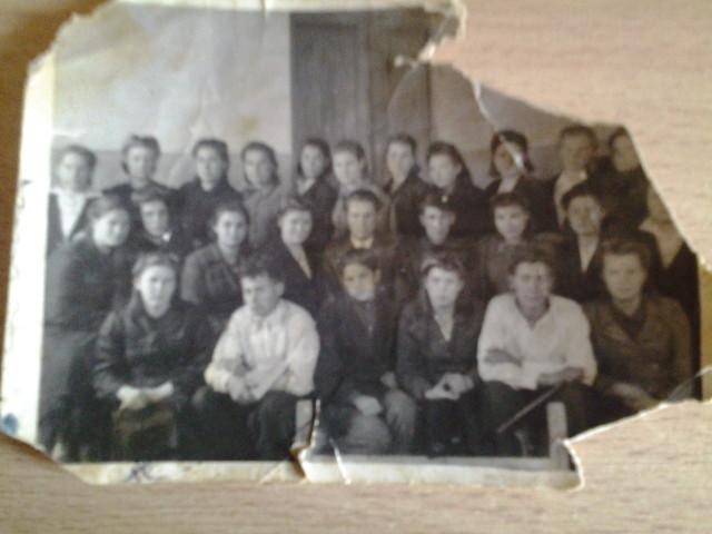 Городищенское педучилище.Бабушка крайняя слева в нижнем ряду