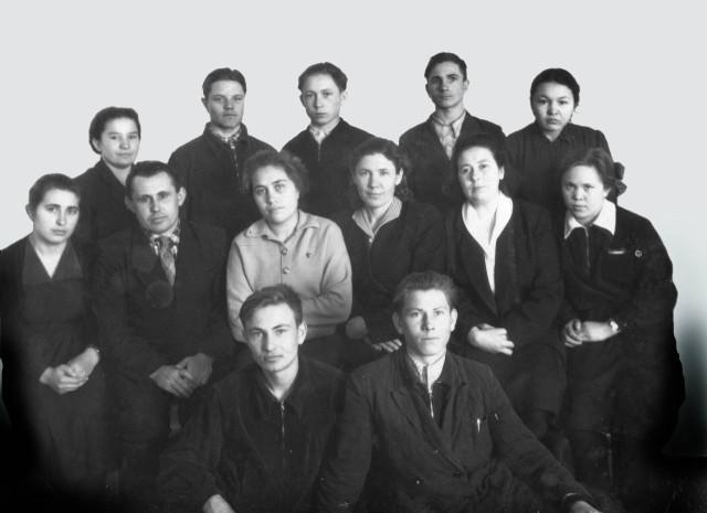Александр Николаевич Рачилин в последнем ряду слева  третий.