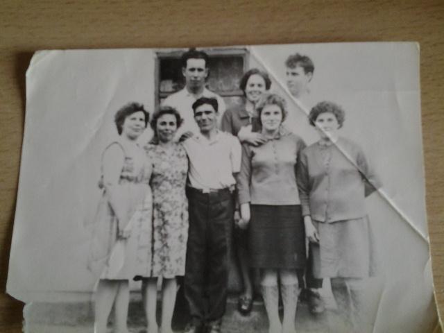 В центре -молодые Ульцевы Анастасия и Иван.