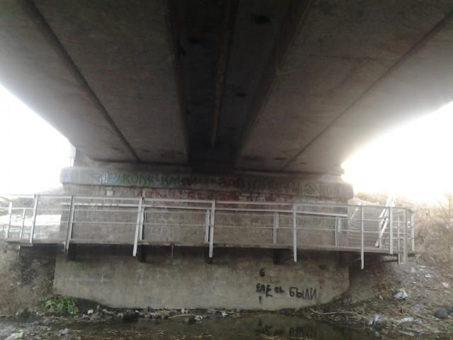Вид моста снизу