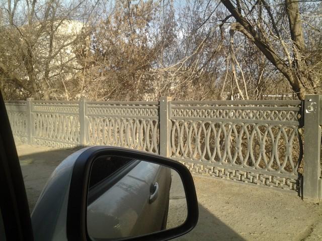 Чугунная ограда моста