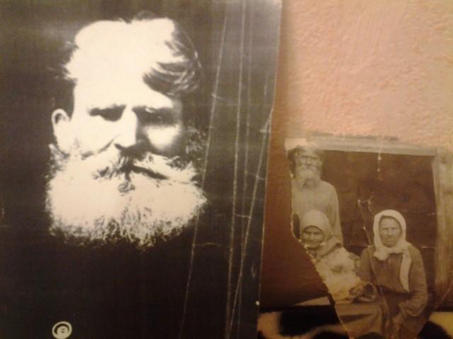 На первом фото Василий Меркурьевич Огольцов, на втором он же с женой Кристиной Кашиной, ее сестрой и внучкой, умершей от коклюша. К сожалению, фото самого Меркурия у меня нет.