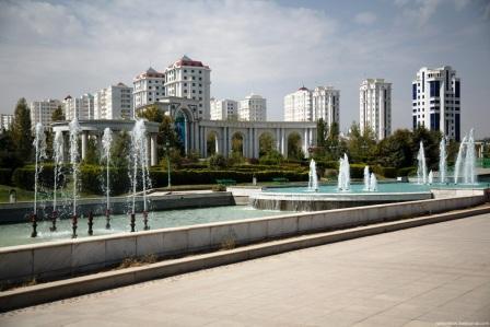 Сквер Туркменистан золотой век